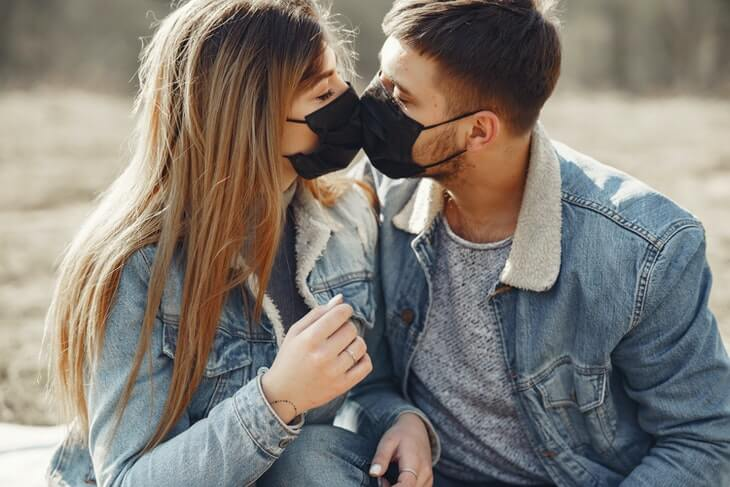 Online Dating is Surging Due to the Coronavirus Outbreak, and Here is Why